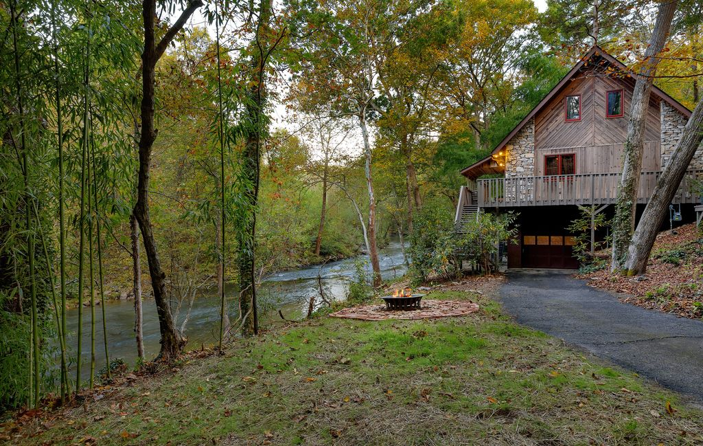 Asheville riverfront cabin in the woods