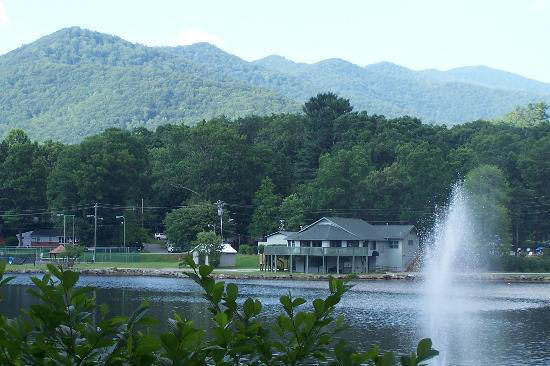 Read reviews for Weaverville NC Cabins, rentals and mountain Inns